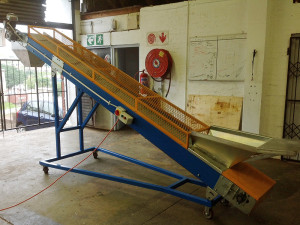 roller conveyor on wheels